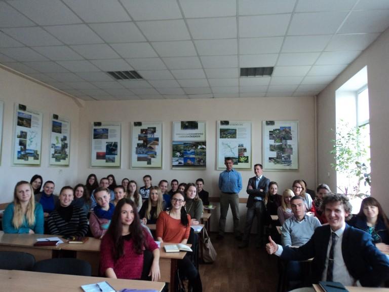 Profesor_Steddon_Zi_Studentami-Ekologami